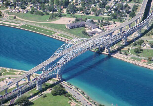 Lobo_blue_water_bridge